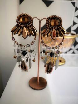 Boucles d'oreilles fantaisies 1 l La mode au féminin prêt à porter femmes vêtements originaux fashion dernières tendances