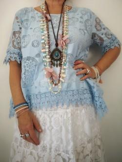 Sautoir Lise pastel l 2 vue porté l Tilleulmenthe boutique de mode femme