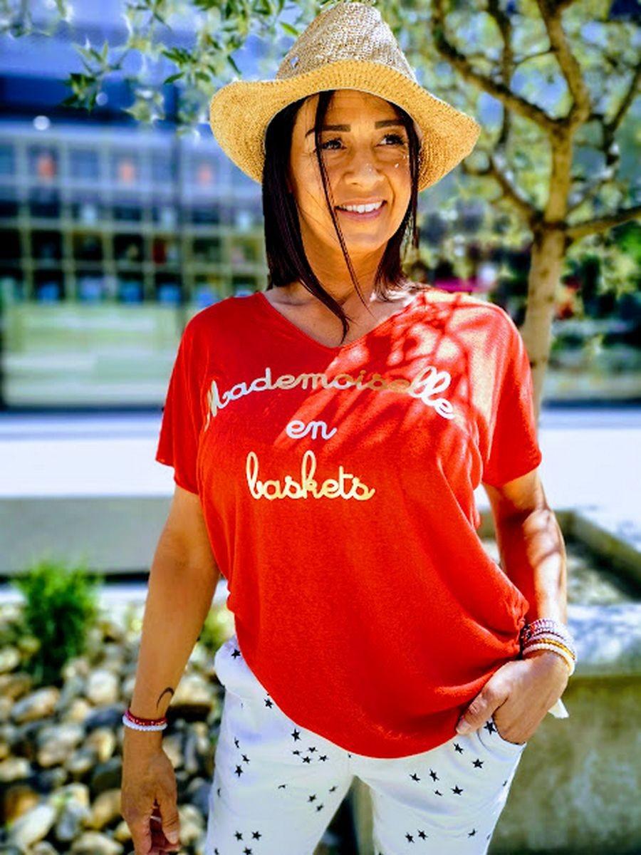 T.shirt mademoiselle en basket l 1 vue de face l Tilleulmenthe boutique de mode femme