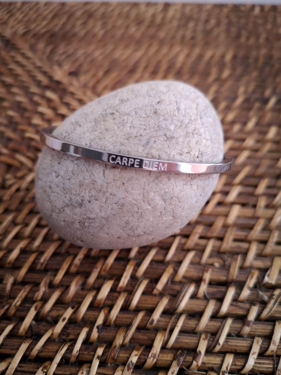 Bracelets Carpe Diem 1 | La mode au féminin prêt à porter femmes vêtements originaux fashion dernières tendances