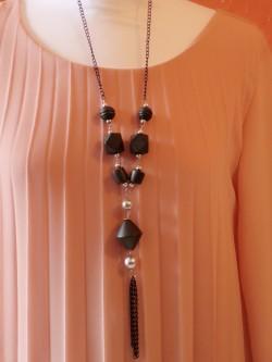 Sautoir Isis 1   La mode au féminin prêt à porter femmes vêtements originaux fashion dernières tendances