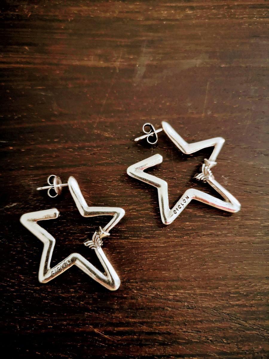 Boucles d'oreilles Ciclon étoiles 2 | La mode au féminin prêt à porter femmes vêtements originaux fashion dernières tendances